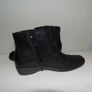 Hush Puppies size 8.5 boots